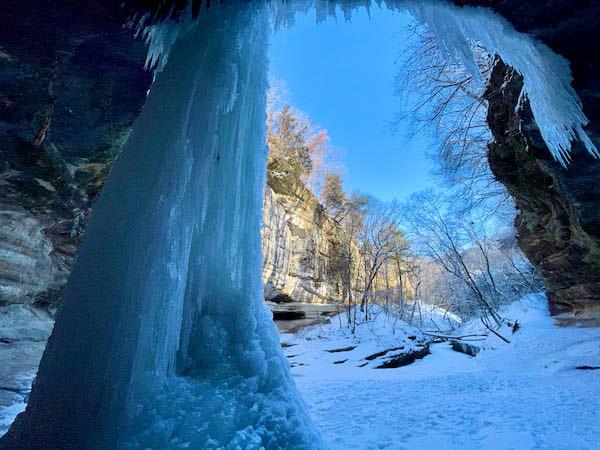 Frozen waterfall, LaSalle Canyon, Starved Rock State Park, Illinois.